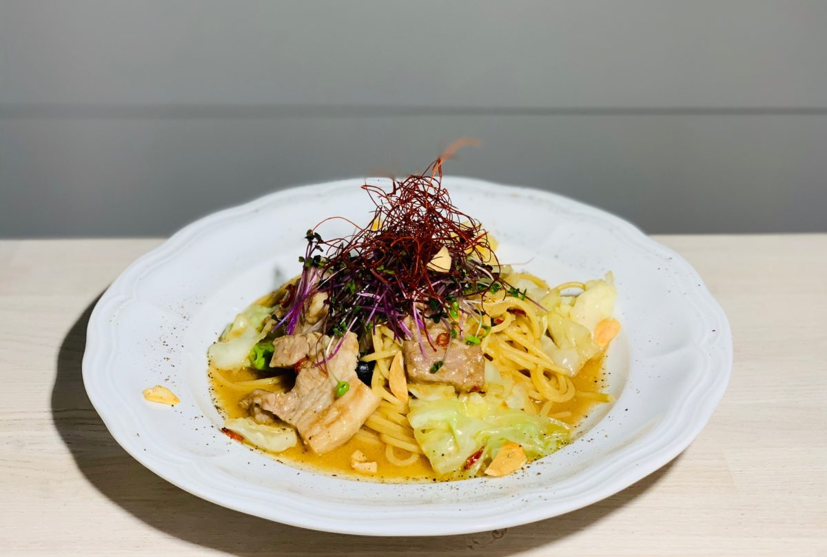 塩豚肉とキャベツのアンチョビペペロンチーノ